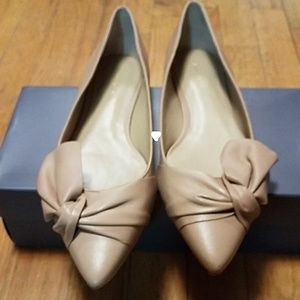 Ann Taylor Eula Pointed Bow Flat
